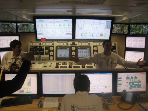 allure-of-the-seas-engine-room-1