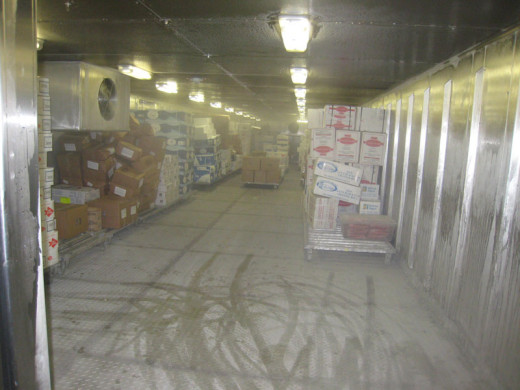 allure-of-the-seas-food-storage-rooms-4