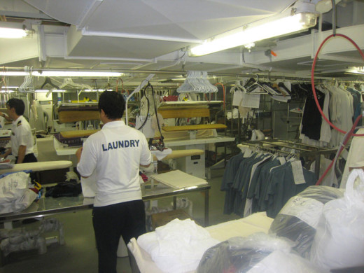 allure-of-the-seas-laundry-area-4
