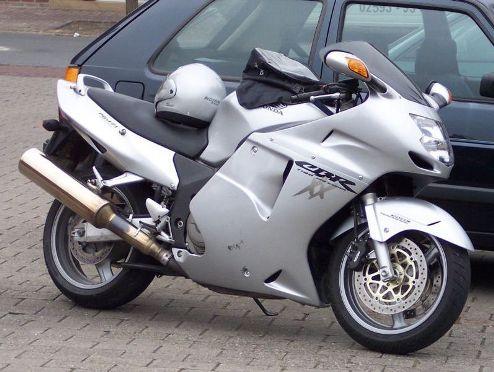 fastest-motorcycle-Honda-CBR-1100-XX