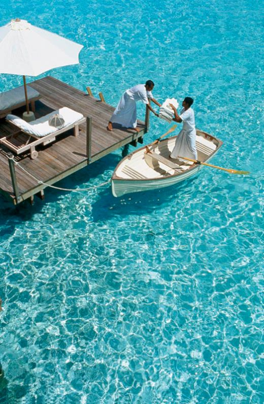 maldives-resorts-on-the-water-stilt-houses-10_s