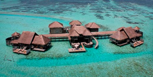 maldives-resorts-on-the-water-stilt-houses-6_s