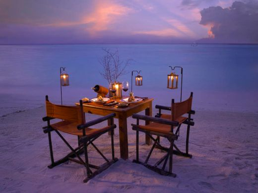 maldives-resorts-on-the-water-stilt-houses-8_s