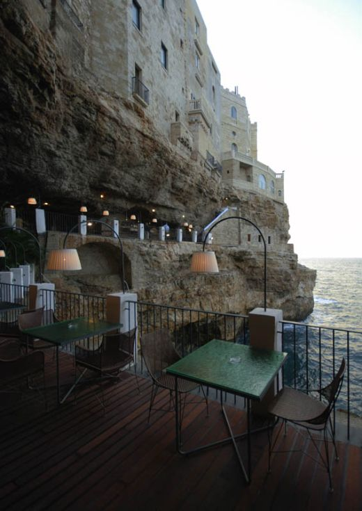 restaurant-inside-a-cave-cavern-itlay-grotta-palazzese-8_s