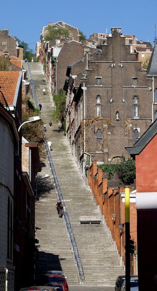 Montagne_de_Bueren_-_stairs_-_Liege_2_s
