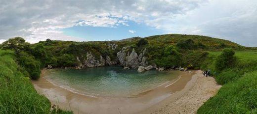 Playa_de_Gulpiyuri_001_s