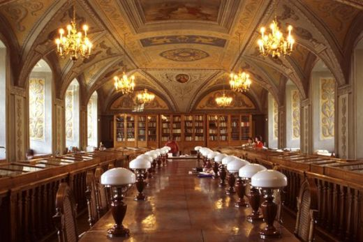 The-Most-Beautiful-Libraries_10_s