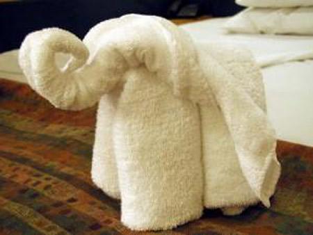 ホテルのタオルで折り紙しちゃった画像集