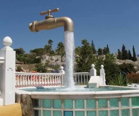 世界の風変わりな噴水の画像集【スワロフスキー社】