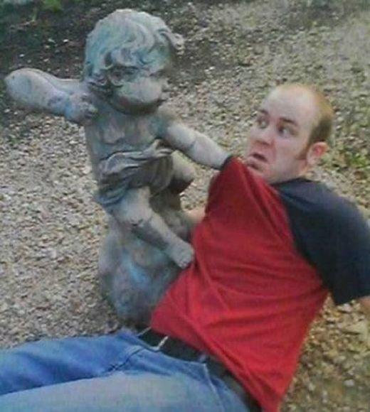 a98585_statue-mischief_12_s