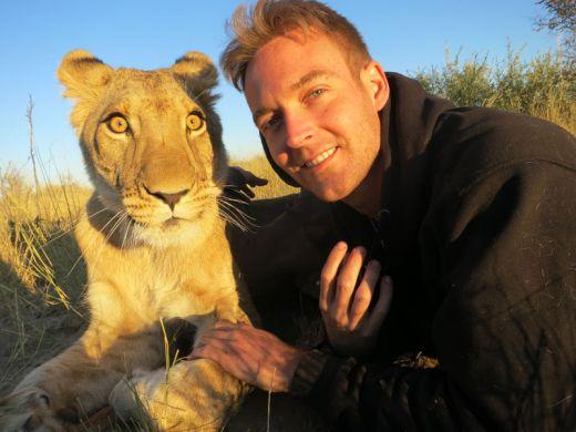 lion-whisperers-modisa-botswana-by-nicolai-frederk-bonnen-rossen-4_s