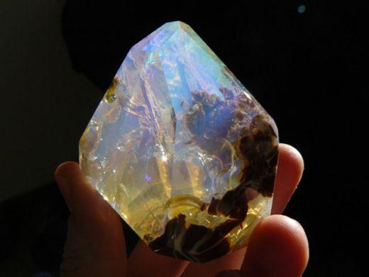 ocean-inside-an-opal-oregon-butte-9_s