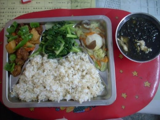 school lunch in Taiwan_s