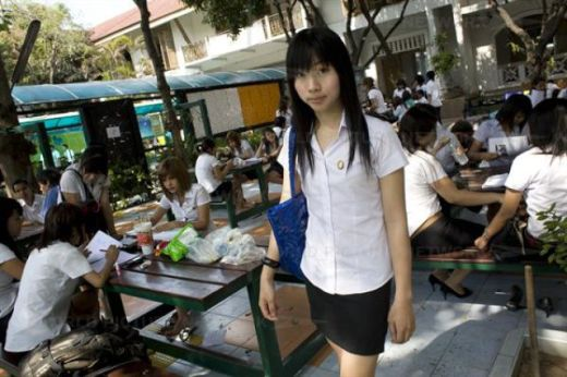 university_for_ladyboys_640_14_s