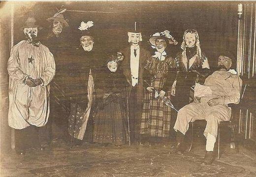 vintage_halloween_costumes_10_s