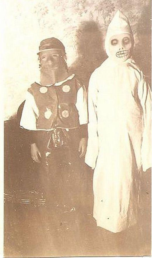 vintage_halloween_costumes_14_s