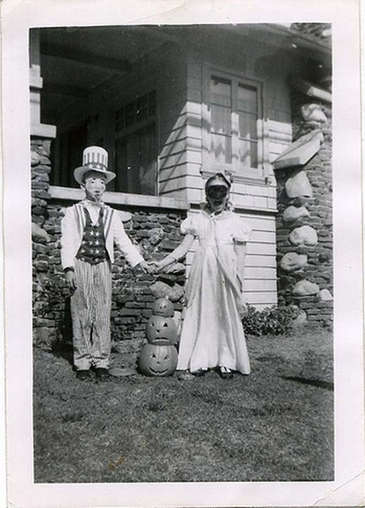 vintage_halloween_costumes_3_s