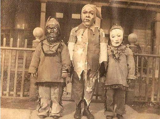 vintage_halloween_costumes_4_s