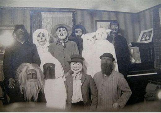 vintage_halloween_costumes_5_s