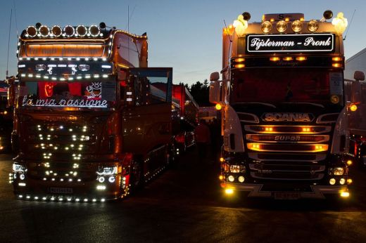 【デコトラ】スウェーデンで開催されているトラックの大会がすごい【ドレスアップ】