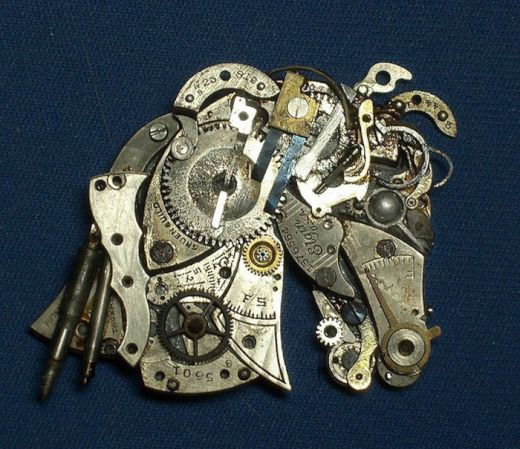 sculptures-made-from-old-watch-parts-sue-beatrice-2_s