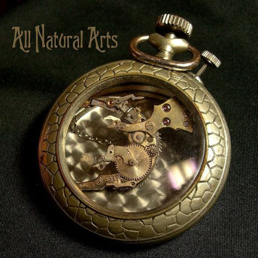 sculptures-made-from-old-watch-parts-sue-beatrice-4_s