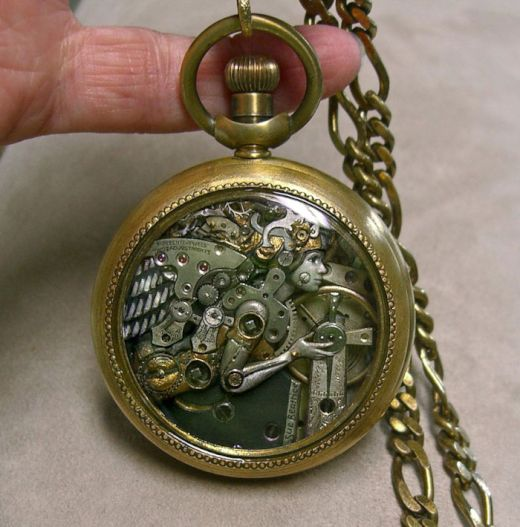 sculptures-made-from-old-watch-parts-sue-beatrice-7_s