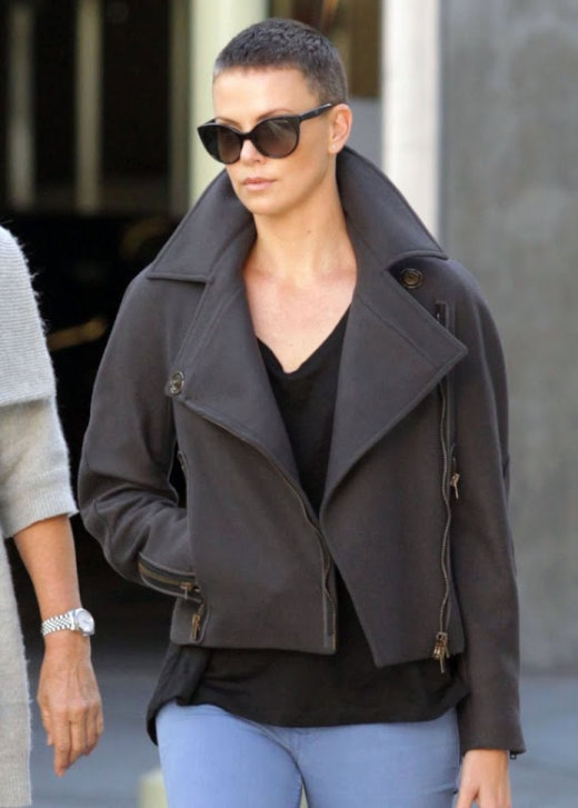 Charlize_Theron-Hollywood-December_15th-2012[1]
