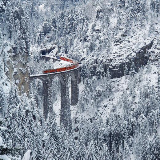 rhaetian-railway-albula-bernina-glacier-express-bernina-express-unesco-13[1]