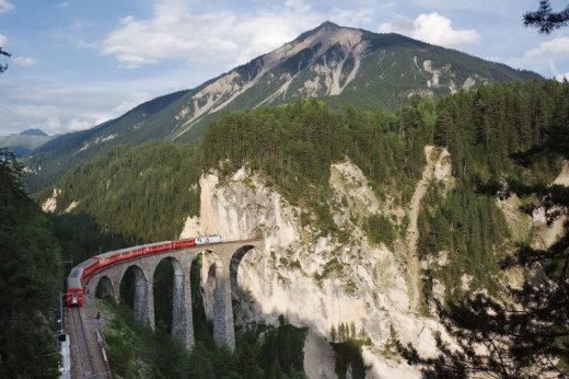 rhaetian-railway-albula-bernina-glacier-express-bernina-express-unesco-2[1]