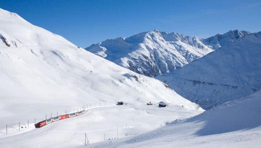 rhaetian-railway-albula-bernina-glacier-express-bernina-express-unesco-5[1]