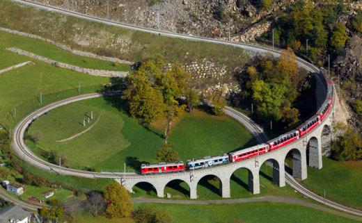rhaetian-railway-albula-bernina-glacier-express-bernina-express-unesco-8[1]